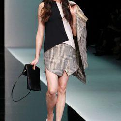 Desfile de Emporio Aarmani en el Semana de la Moda de Milán primavera/verano 2013