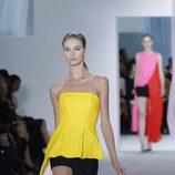 Top peplum y shorts negros en el desfile de Dior en la Semana de la Moda de París primavera/verano 2013