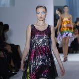 Minivestido de rayas de corte 'A' de Dior en la Semana de la Moda de París primavera/verano 2013