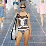 Body con la insignia de Chanel en la Semana de la Moda de París primavera/verano 2013