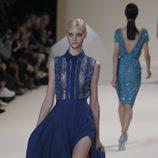 Vestido largo camisero de encaje de Elie Saab en la Semana de la Moda de París primavera/verano 2013