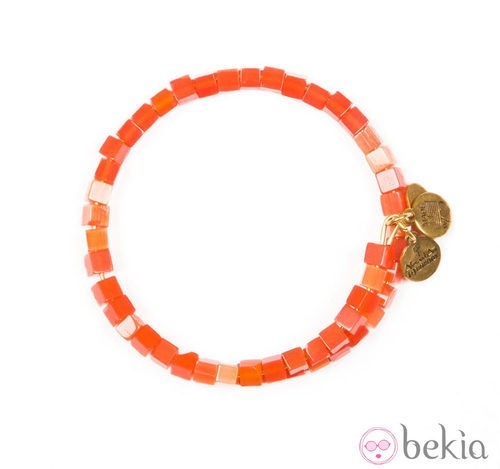 Pulsera con cuentas naranjas y charms de Alex and Ani