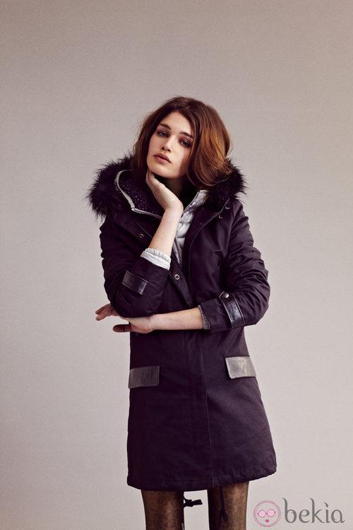 Abrigo negro con capucha de I.Code colección otoño/invierno 2012/2013
