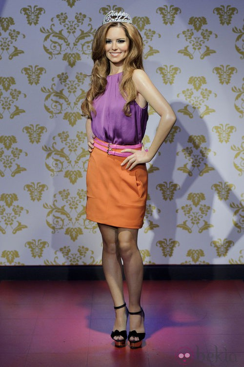Malva y coral, el color block de Cheryl Cole
