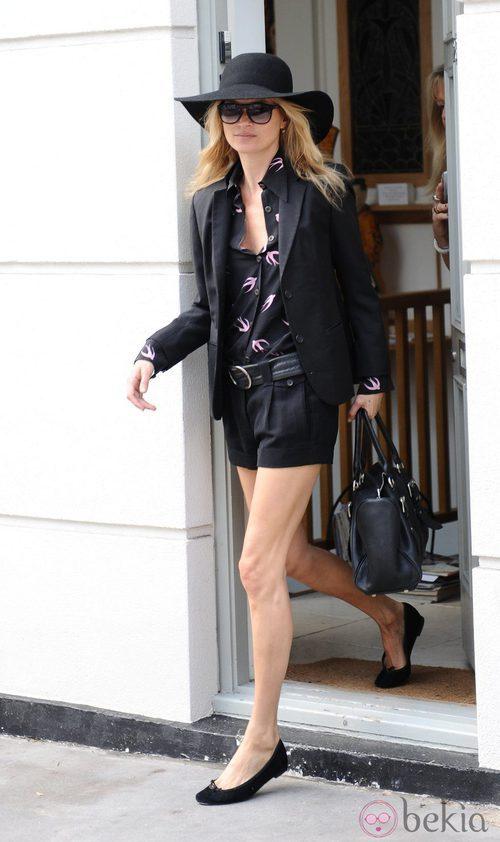 Kate Moss con sombrero de fieltro y ala ancha