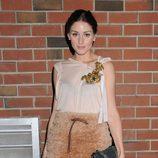 Olivia Palermo, impecable con falda fruncida