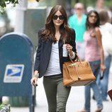 Olivia Palermo con americana paseando por Nueva York