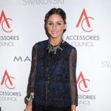 Olivia Palermo con vestido de mangas transparentes