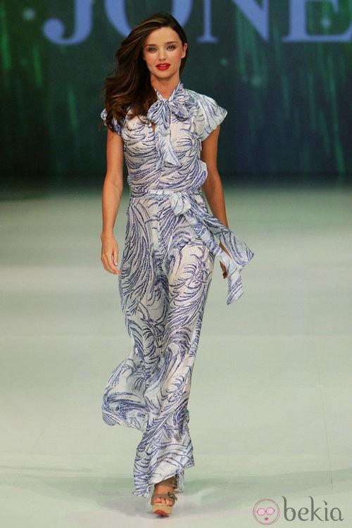 Miranda Kerr desfila para David Jones en la Semana de la Moda de Sydney