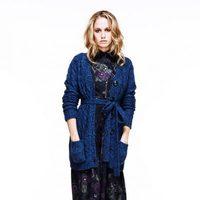 Florence Brudenell Bruce, novia del príncipe Harry, con chaqueta de punto para Anonymous