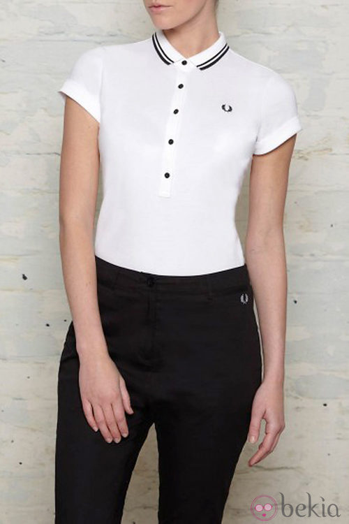 Polo blanco de Amy Winehouse para Fred Perry