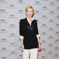 Cate Blanchett con traje de chaqueta de Dries van Noten