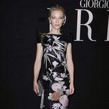 Cate Blanchett de Armani Privé en un desfile del diseñador