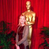 Una joven Cate Blanchett en el almuerzo de los Oscar 1999