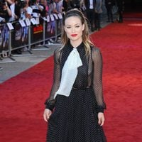 Olivia Wilde de Gucci presentando 'Cowboys and aliens'