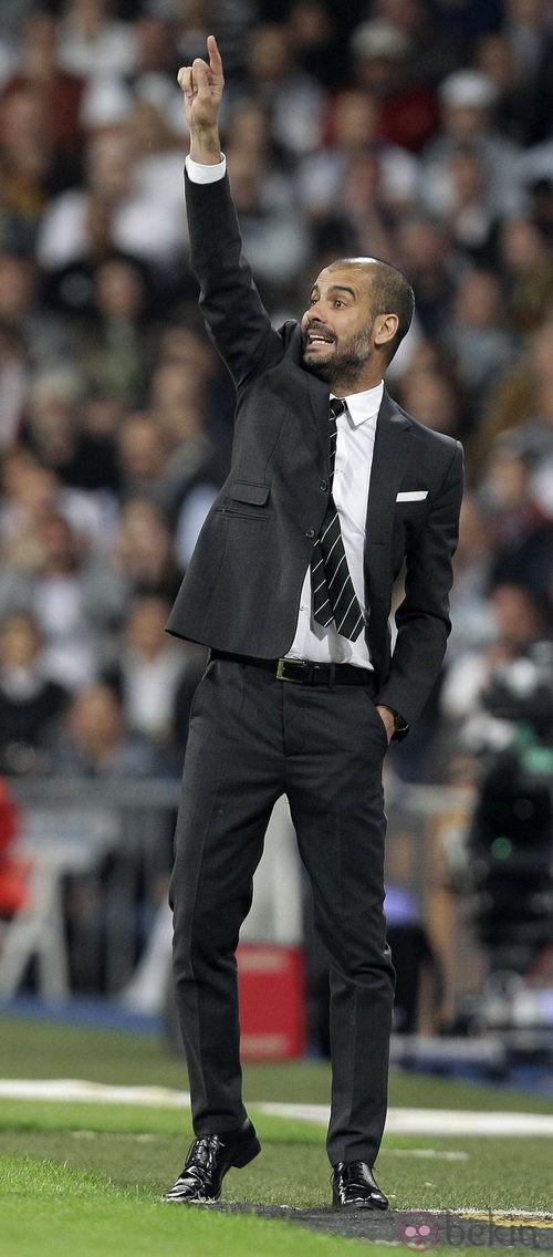 Guardiola opta por el traje en los partidos oficiales