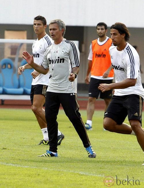 Mourinho en un entrenamiento del Real Madrid