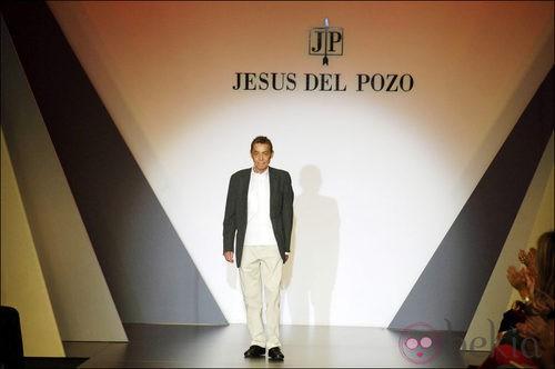 Jesús del Pozo sobre la pasarela