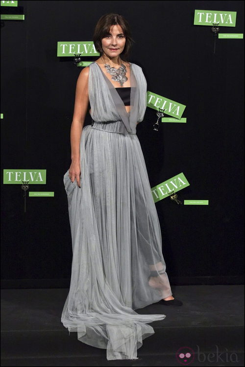 Ana Fernández vestida de Jesús del Pozo en los premios Telva
