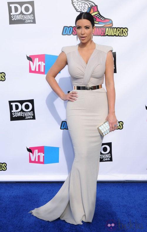 Kim Kardashian, ajustadísima en los premios Do Something