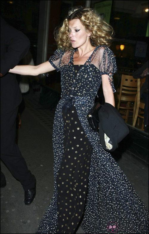 Kate Moss con estampado de estrellas por su cumpleaños
