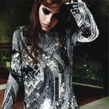 Carlota Casiraghi con vestido metalizado para Vogue Francia