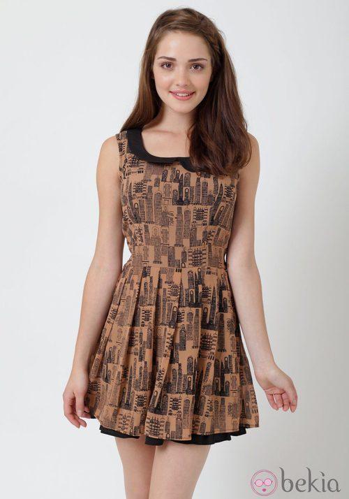 Vestido con estampado urbano de Yumi
