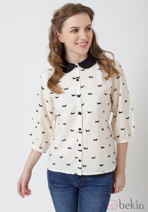 Camisa con estampado de perros de Yumi
