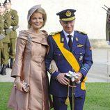 Matilde Bélgica con un vestido sencillo y sombrero de Fabienne Delvigne en la boda de Guillermo y Stéphanie de Luxemburgo