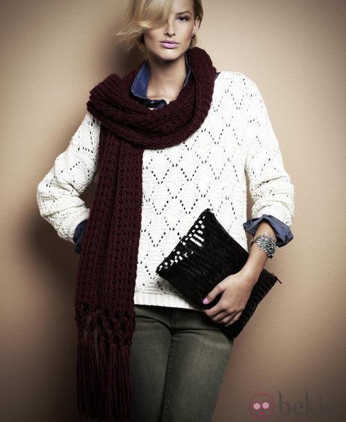 Jersey de punto blanco y clutch de paillettes de la segunda colección de Suiteblanco otoño/invierno 2012/2013