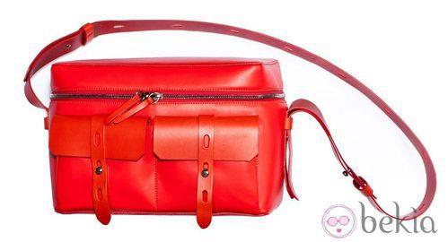 'Kamera bag' en color rojo de Karl colección otoño/invierno 2012/2013