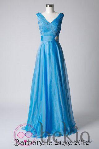 Vestido azul cielo con escote en 'v' de la colección de vestidos de Barbarella