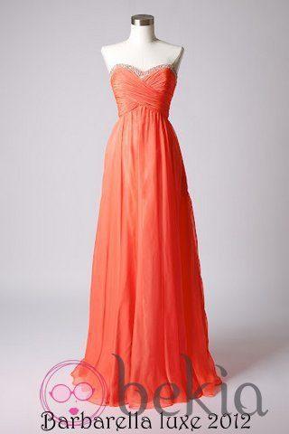 Vestido color coral con escote corazón de la colección de vestidos de Barbarella