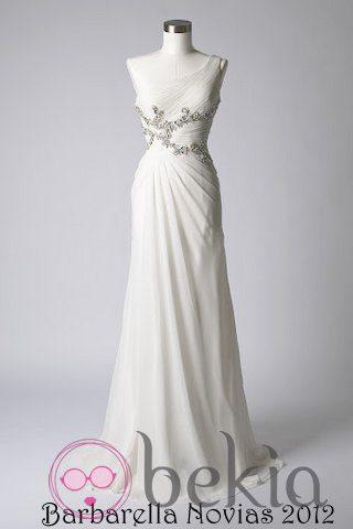 Vestido blanco con escote asimétrico de la colección de vestidos de Barbarella