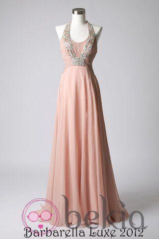 Vestido rosa empolvado con pedrería de la colección de vestidos de Barbarella