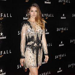 Ana de Armas con un minivestido joya en el estreno de 'Skyfall' en Madrid