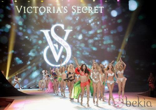 Los ángeles de Victoria's Secret durante el Fashion Show 2012