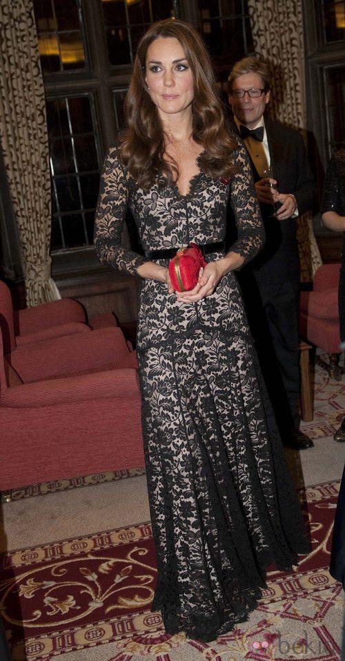 Kate Middleton vuelve a acertar vistiendo de encaje