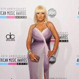Christina Aguilera con vestido en tonos violeta en los American Music Awards 2012