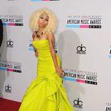 Nicki Minaj con un vestido amarillo flúor en los American Music Awards 2012