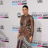 Jordin Sparks con vestido largo con mix de estampados en los American Music Awards 2012