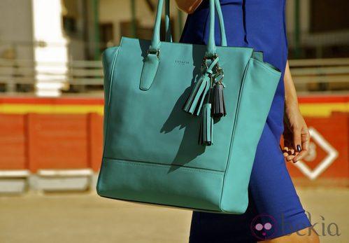Bolso en color aguamarina de la colección invierno 2012 de Coach