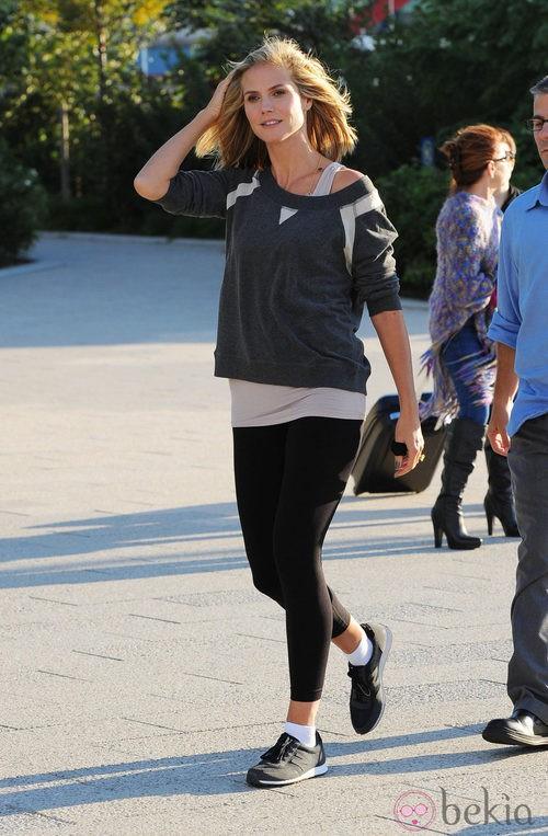 Heidi Klum con un look deportivo muy trendy
