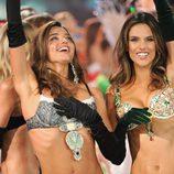 Miranda Kerr y Alessandra Ambrosio en el Fashion Show de Victoria's Secret 2012