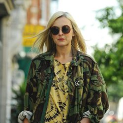 Fearne Cotton con chaqueta de print de camuflaje