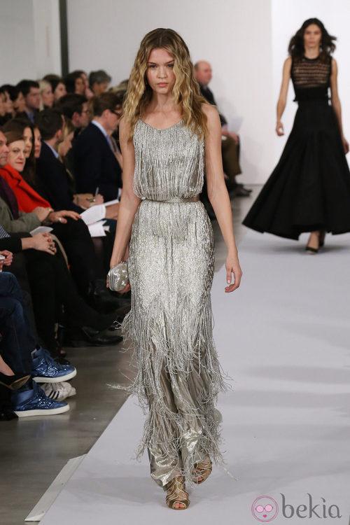 Vestido con flecos de la colección pre-fall 2013 de Oscar de la Renta