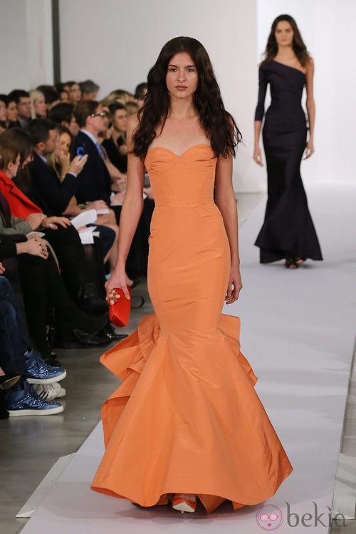 Vestido naranja de la colección pre-fall 2013 de Oscar de la Renta
