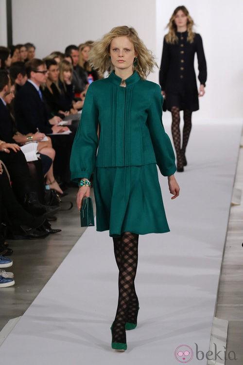 Vestido verde esmeralda de la colección pre-fall 2013 de Oscar de la Renta