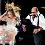 Jennifer Lopez con un body que marca su faja