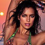 Irina Shayk posa uno de los modelos de la colección primavera 2013 de Agua Bendita